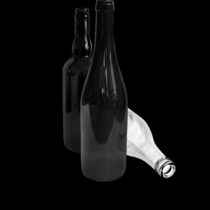 Trois bouteilles en verre