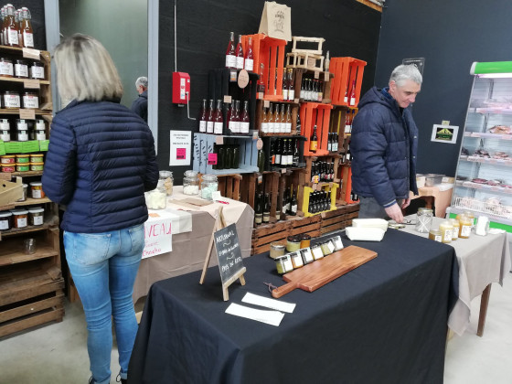 Photo de Au marché d'Orée, membre de Bout à Bout, réseau de réemploi des bouteilles en verre en Pays de la Loire