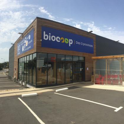 Photo de Biocoop des 3 Provinces, membre de Bout à Bout, réseau de réemploi des bouteilles en verre en Pays de la Loire