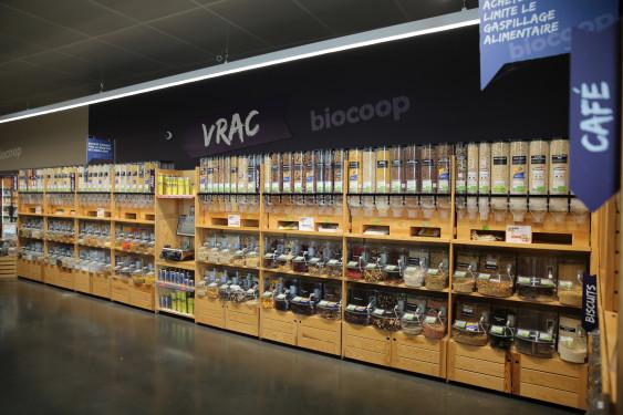Photo de Biocoop Cholet nord, membre de Bout à Bout, réseau de réemploi des bouteilles en verre en Pays de la Loire