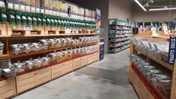 Photo de Biocoop Sèvremoine, membre de Bout à Bout, réseau de réemploi des bouteilles en verre en Pays de la Loire